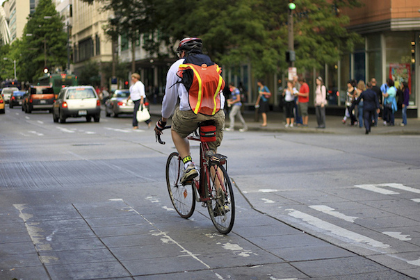 03Cyclists-LookingGoodVsBeingSeen