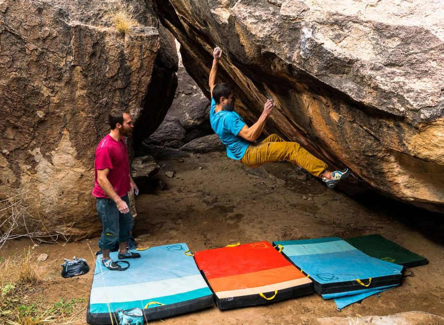 The Best Crash Pads / Bouldering Pads Gear Reviews | Gear Institute