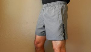 side view of saxx kinetic run shorts