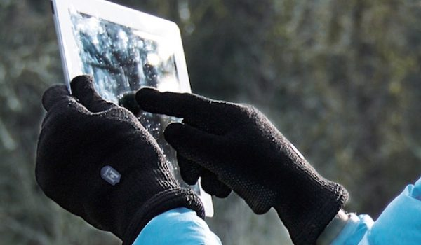Hanz Waterproof Gloves are also Smartphone Compatible
