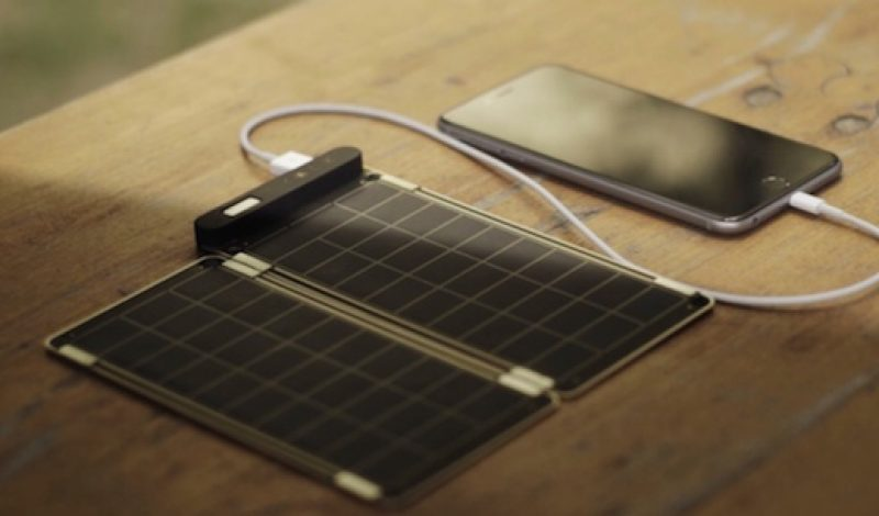 Solar Paper Recharges Your Gadgets Using Only the Sun
